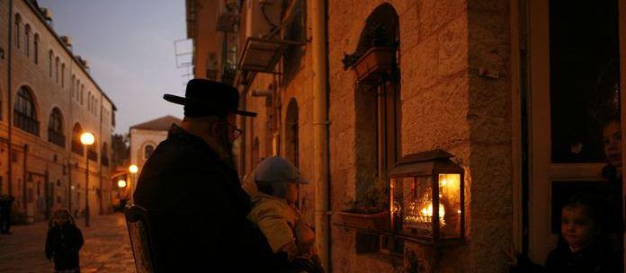 Ханукальный Хроникус в Иерусалиме